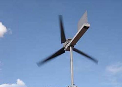 Работающий ветрогенератор на 12 вольт