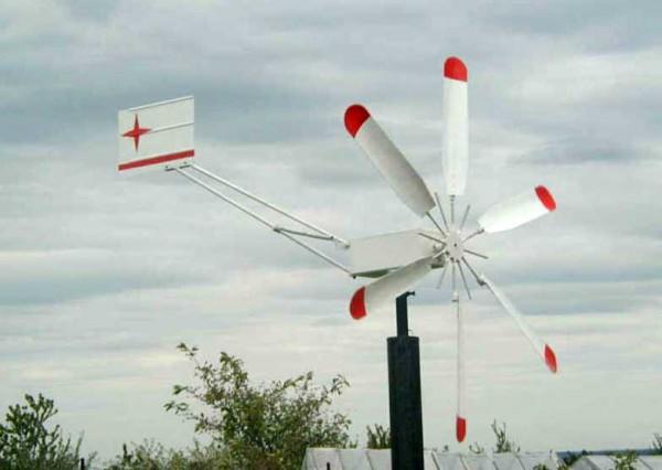 Готовый самодельный горизонтальный ветрогенератор на мачте